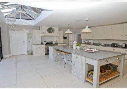 Tradtional Kitchen – Ickenham, Greater London