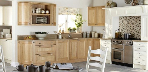 Kemble Natural Oak - Classic English Kitchen