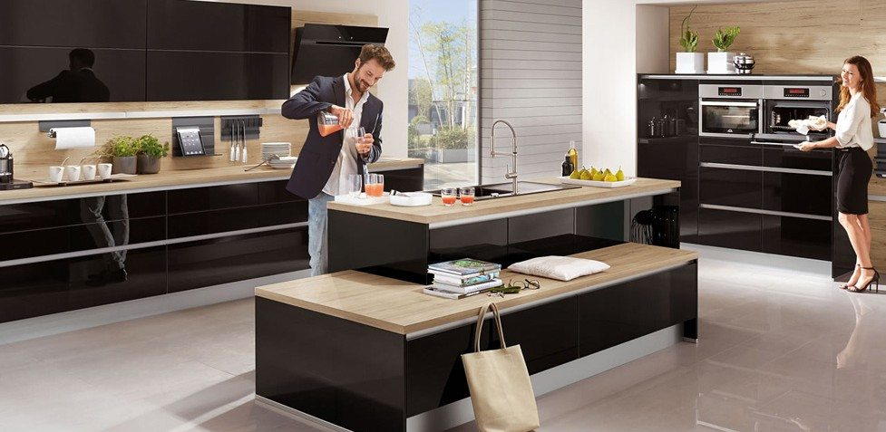 Nobilia Focus 472 Black ultra high gloss handle-less kitchen