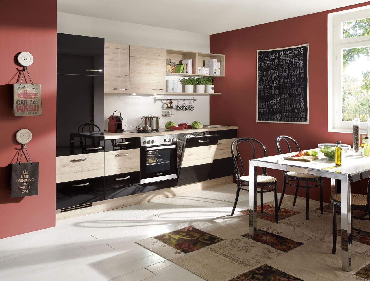 Nobilia Focus 475 Black Ultra High Gloss and Sanremo Oak Mix